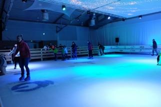 Eröffnungsfeier 27_11 Auf dem Eis